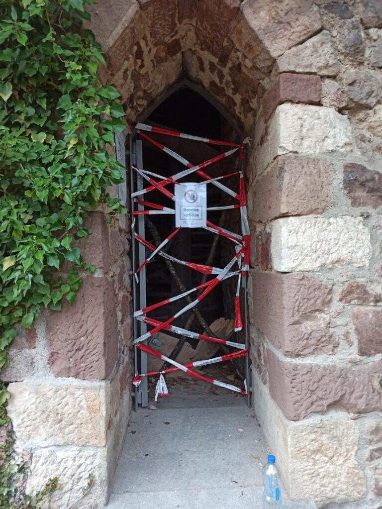 Sausenburgturm gesperrt